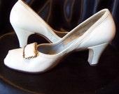 Vintage Frost Bros. White peep-toe heels Size 6 N