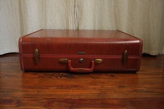 Vintage Suitcase // 1960s Steamer Trunk Style Suitcase //