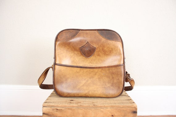 Vintage Camera Bag // 1970s Brown Vinyl Messenger Schoolbag