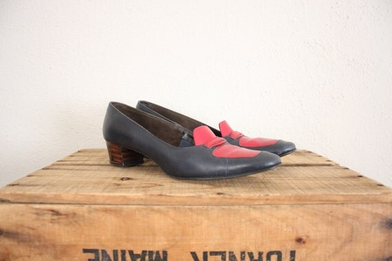 Vintage Mod Shoes // Navy Blue and Red High Heel Loafers