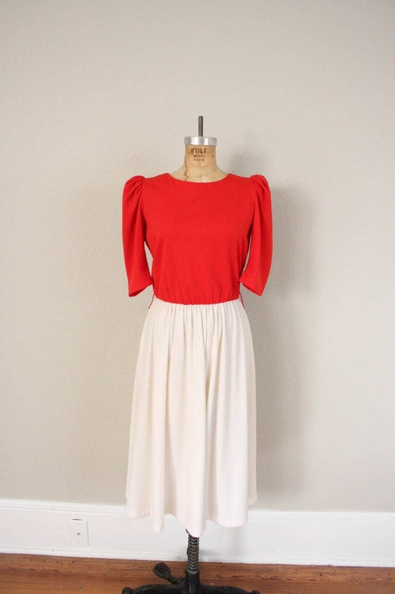 Vintage Day Dress // 1970s Red and White Shift Dress