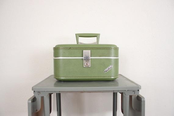 Vintage Mod Train Case // 1960s Mid Century Avocado Green Retro Luggage