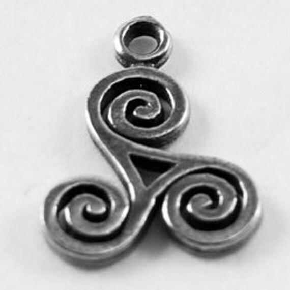10 x Small Triskel celtic spiral 1 bail Australian Pewter r371