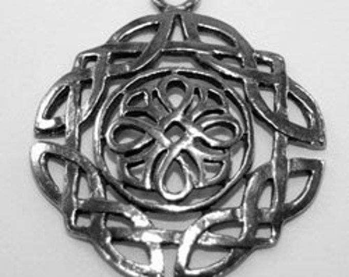 5 x Celtic Round Square pendant  pewter- 1 bail Made in Australia (R070)