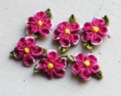 Ribbon Flower Appliques 300.1 - 2 layers Flower in Deep Red / Pink with leaf - 12 pcs