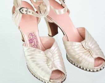 Vintage Shoes 30s White Silk Peep Toe Rhinestone Platform Shoes 6 AA