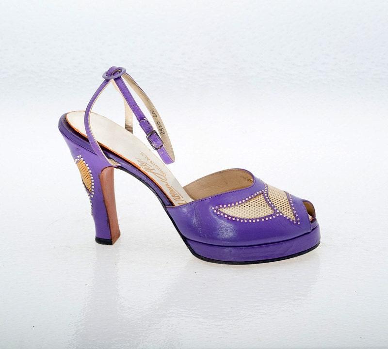 vintage shoes 40s purple leather platform shoes 6n
