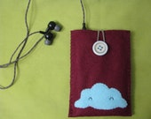 one of a kind - ipod\/camera cozy - puffy cloud