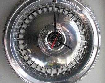 1977-79  Ford Thunderbird Hubcap Clock