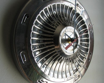 1958 Ford Fairlane Hubcap Clock No. 2494