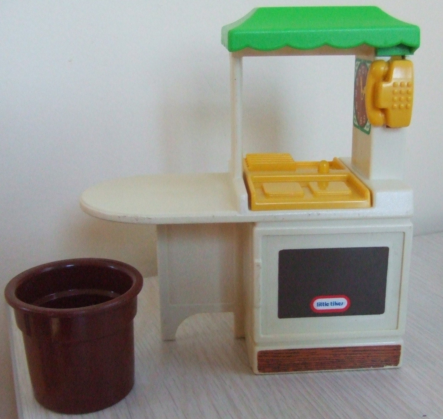 Play Kitchen From Old Furniture Little Tikes Dollhouse Kitchen Furniture 6 Pieces Green Yellow