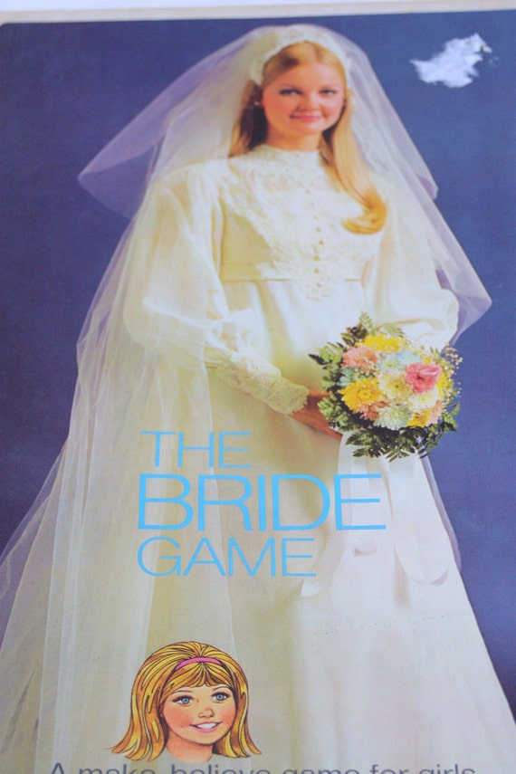 Bride to be pawns her wedding dress and nailed by pawnkeeper - 2 8