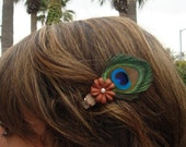 Simply Small Peacock Feather Clip with Flower and Pearl