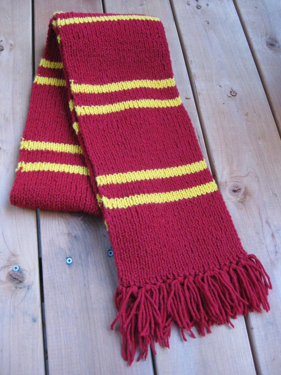 Knit Harry Potter Scarf Pattern : Harry Potter Gryffindor scarf
