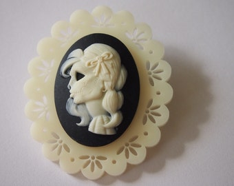 Day of the Dead Cameo on Cream Doily Perspex Laser Cut Wood Brooch