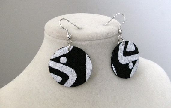 Quarter size mudcloth fabric earrings - black and white