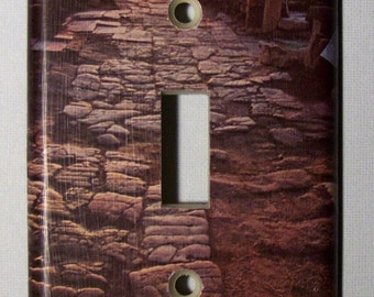 Ancient Alien Avenue - Single Lightswitch Cover