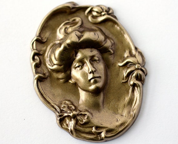 1pc XL Art Nouveau Cameo-Style Embellishment, Oxidized Brass (VMAX)