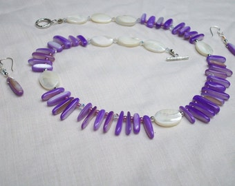 Mother of Pearl necklace w/ earrings