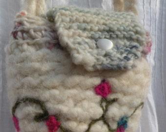 Shoulder bag. Felted purse, floral needle felt wedding handbag, white Bohemian Bag, novelty boho felted felt wool smartphone bag, pink i700