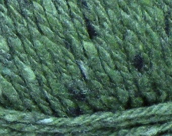 Bulky Yarn merino wool silk cashmere SOFT green 142 yds Kathmandu chunky tweed knitting, Queensland Collection Christmas St. Patrick's Day