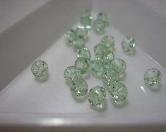 Bead - 24 - Swarovski  - Crystal Passions - Xilion Bicone - 4mm - Chrysolite
