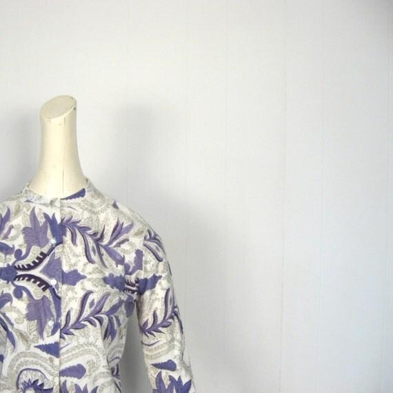 Vintage 1950s Cardigan / Purple Vines / 50s Print Cardigan / M L