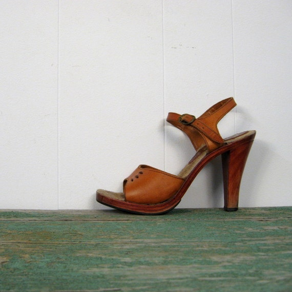High Heel Sandals 1970s Wood And Leather 7 B