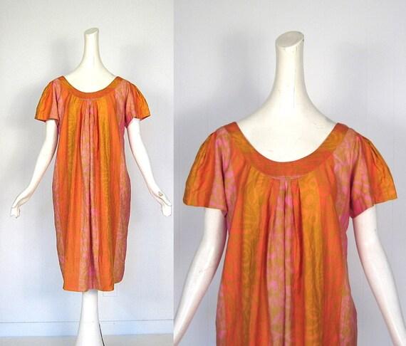 Vintage Muu Muu / 1960s Dress / Pink Orange and Gold / M L