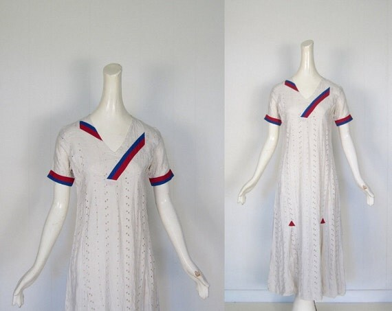 Vintage 1930s Dress / White Eyelet Lace Dress / Tea and Tennis / Small S