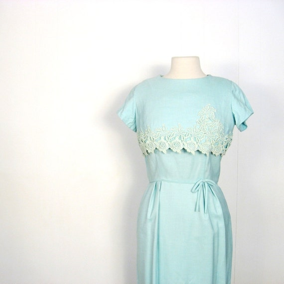 Vintage 1950s Dress / Seafoam Linen and Lace / 50s Dress / S M