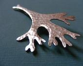 shiny seaweed pin