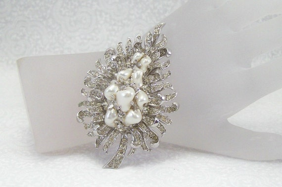 Boucher brooch with faux freshwater pearls