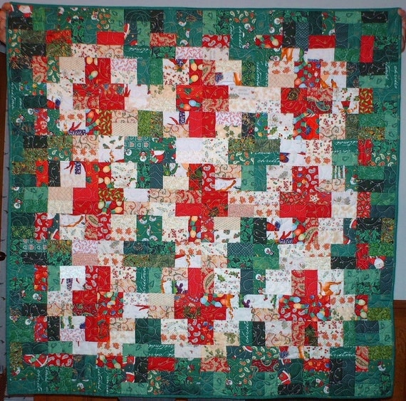 Red Green Cream Christmas Lanterns Quilt