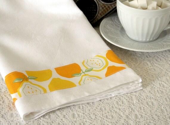 Vintage Style Oversized TEA TOWEL Set with Juicy Lemon Alexander Print detail