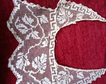 Antique Ecru Crochet Collar