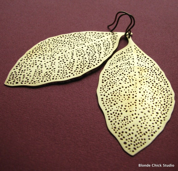 FALLEN-Golden Filigree Leaf Earrings
