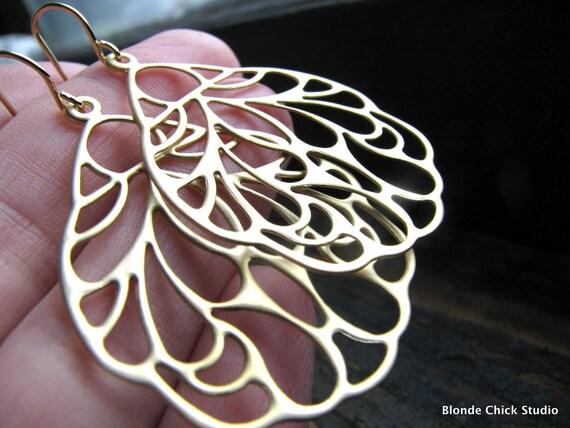 FLOURISH-Golden Floral Filigree Medallion Lightweight Chandelier Earrings