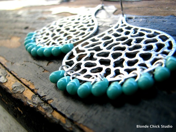 DREAMY-Silver Textured Moroccan Teardrop Earrings with Teal Drop Beads