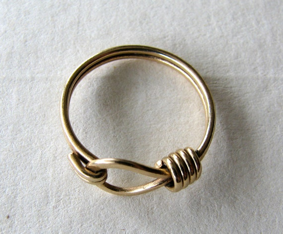 1970s 14k solid gold knotted noose ring, size 6.5