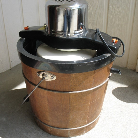 Electric Ice Cream Makers ~ Vintage proctor silex electric ice cream maker freezer