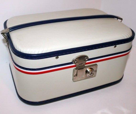 Vintage Train Case Make Up Cosmetics Suitcase Toiletries