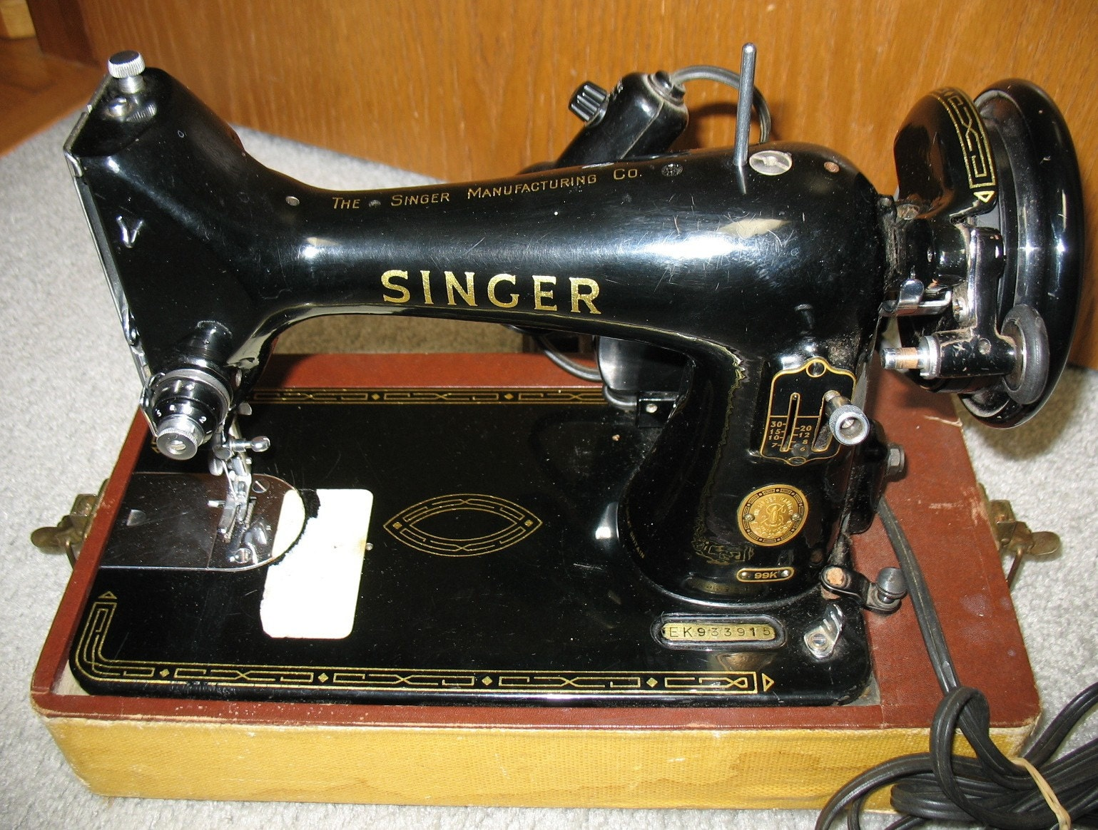 Vintage Singer 99k Sewing Machine Portable Black In Case