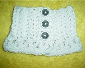 The Duchess wool ivory crocheted neck warmer