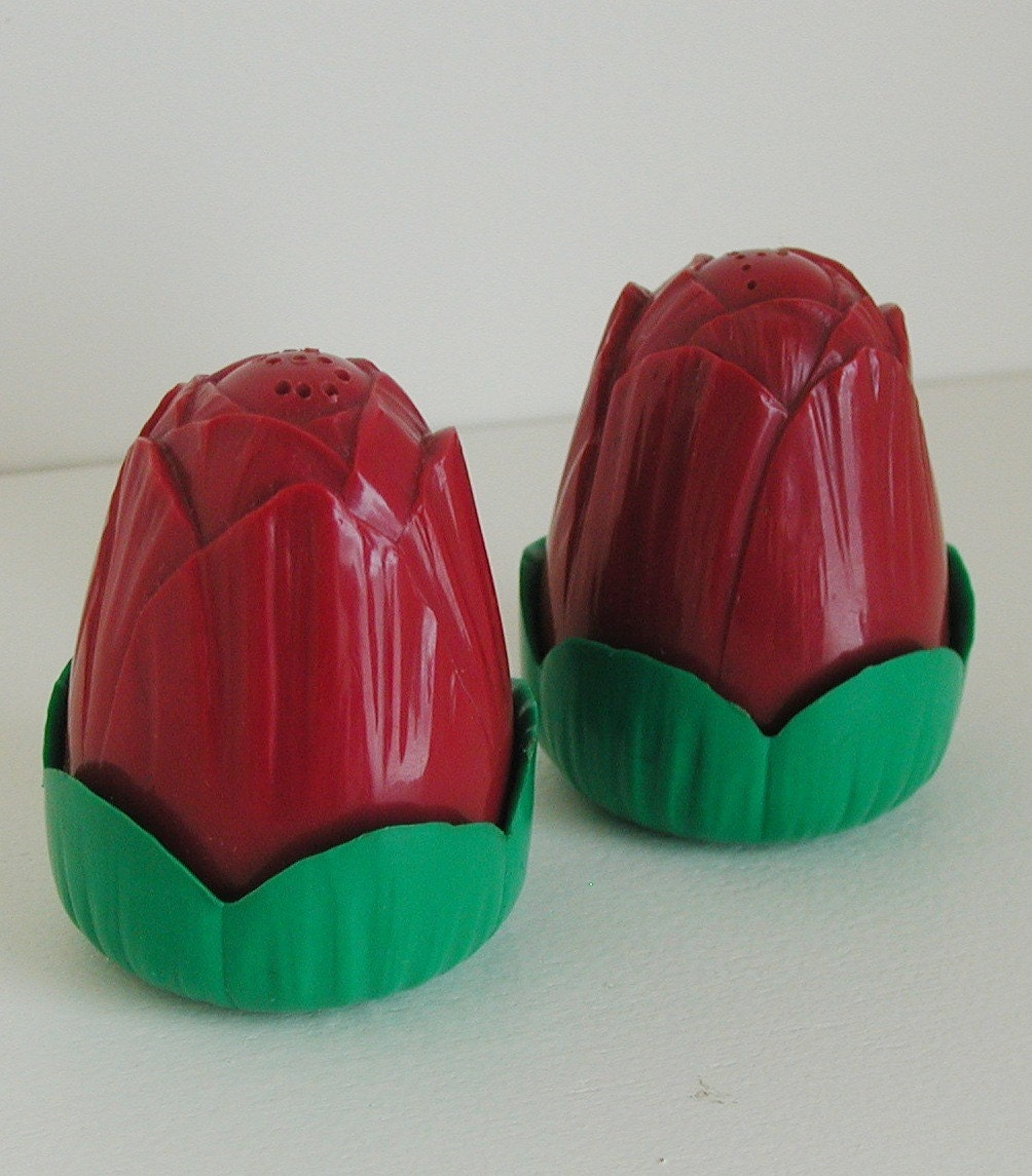 Vintage Salt And Pepper Shakers Red Tulips
