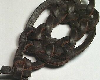 Celtic Two United Spanish Leather Keyring