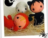 Babies in Halloween suit  and ghost amigurumi pdf pattern italiano  english