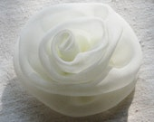 Rose hair clip, ivory chiffon, medium