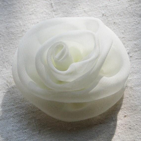 Rose hair clip, ivory chiffon, medium