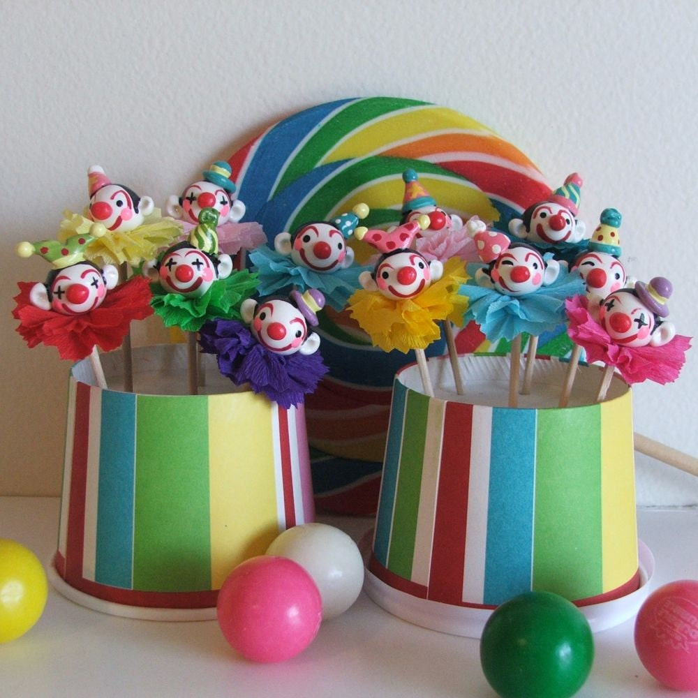 Carnival clown cupcake toppers picks cake decorations for Clown dekoration
